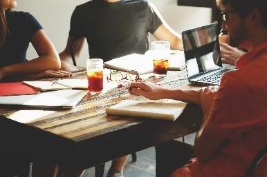 Formación presencial y online, cursos, talleres y conferencias